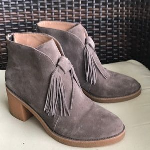 UGG Women's Corin Boot (New without Tag)